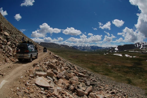 Difficult roads in Altai