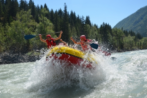 Activity on the water: the passage of the popular river rapids «Ilgumen»